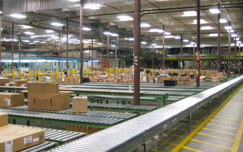 Distribution center sorting area